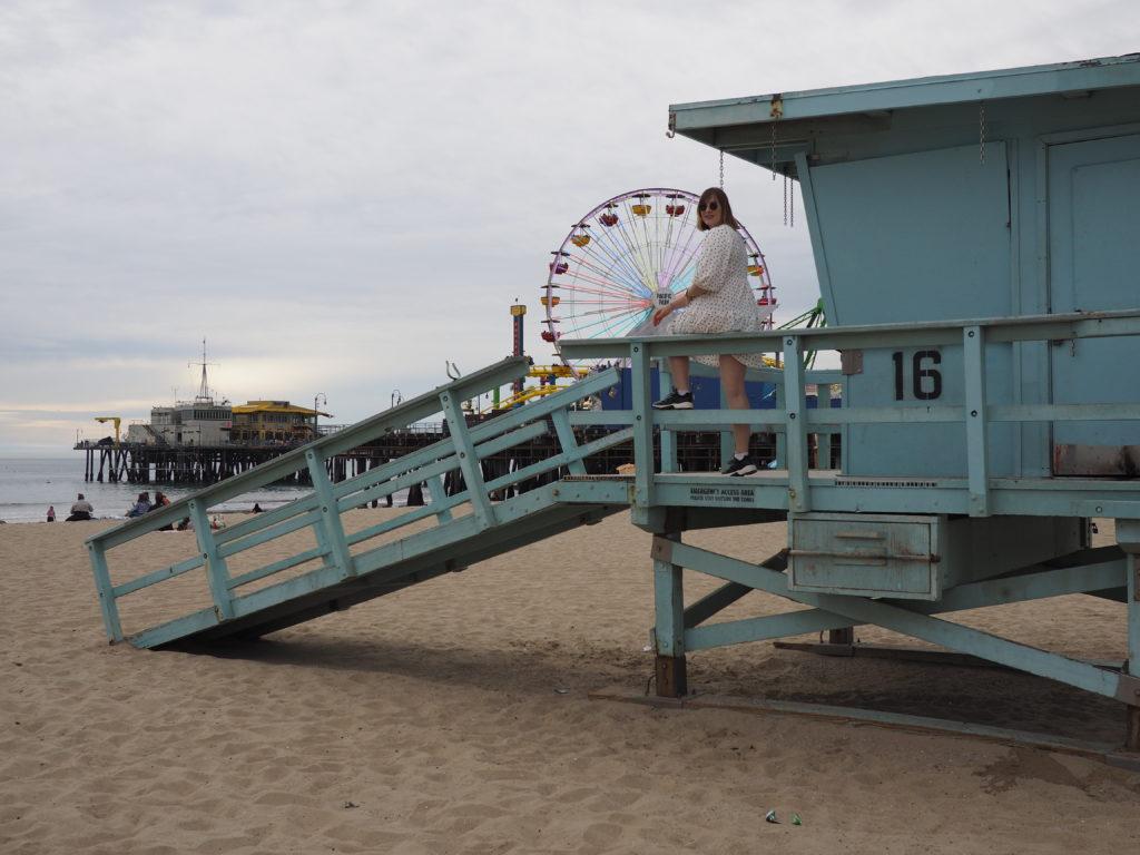 Santa Monica Pier, pacific park et poste de sauvetage Vu lors de notre voyage à Los Angeles